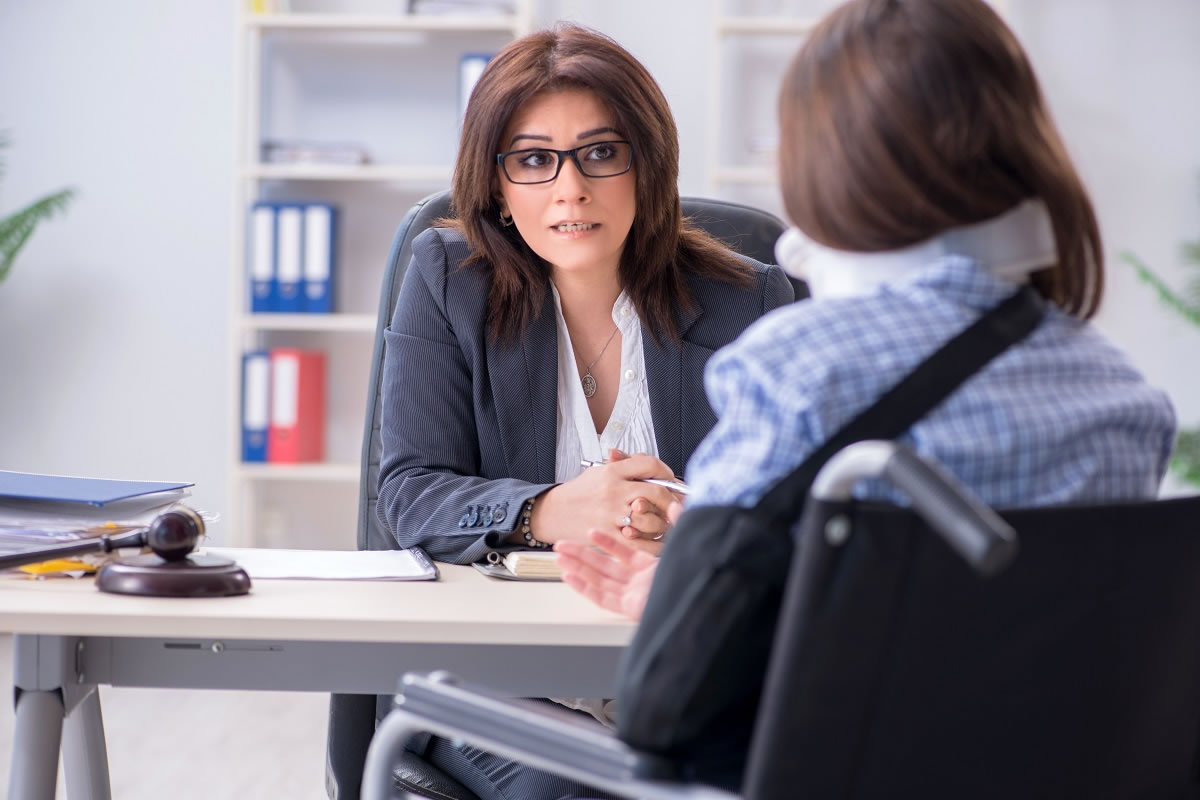 Should I Call a Personal Injury Attorney?